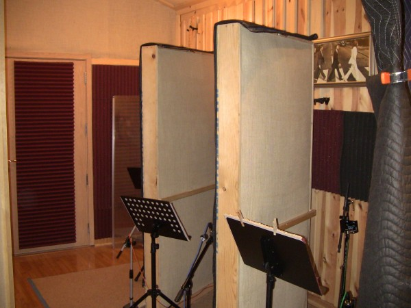 Isolation booths for brass